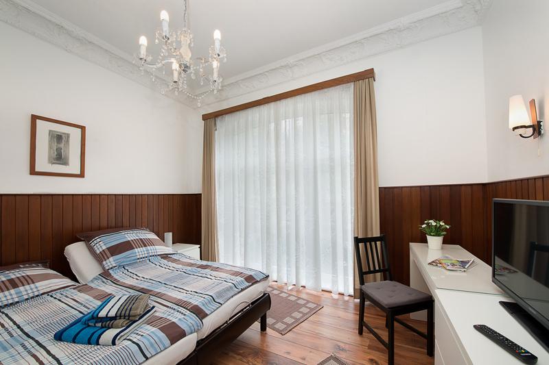 Zimmer-1_Bild-1.jpg
